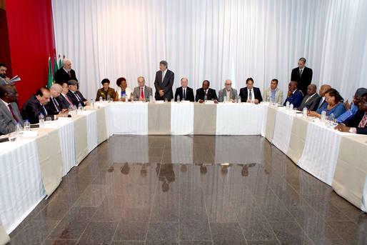 Oportunidades de negócios são apresentadas a embaixadores árabes e africanos
