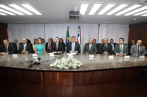 Governador e presidente do STF assinam termo para criação de Escritório Social