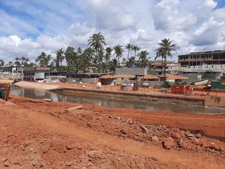 Rui vistoria obras executadas pelo Governo do Estado na capital baiana